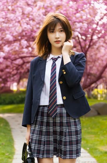 制服美女清纯迷人日系写真图片