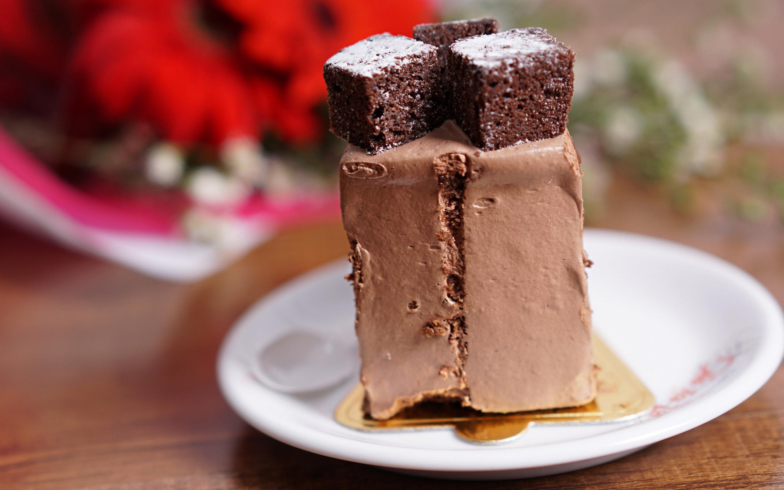 精致巧克力甜点高清桌面壁纸