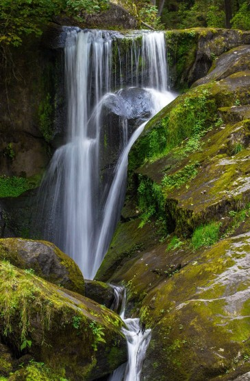 瀑布小溪自然美景手机壁