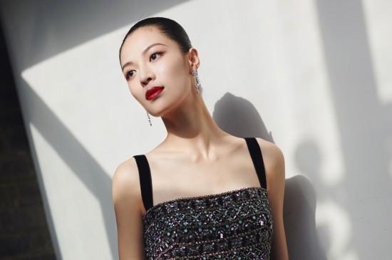 钟楚曦妩媚动人性感写真桌面壁纸