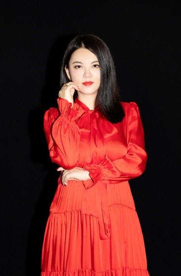 主持人李湘成熟魅力写真