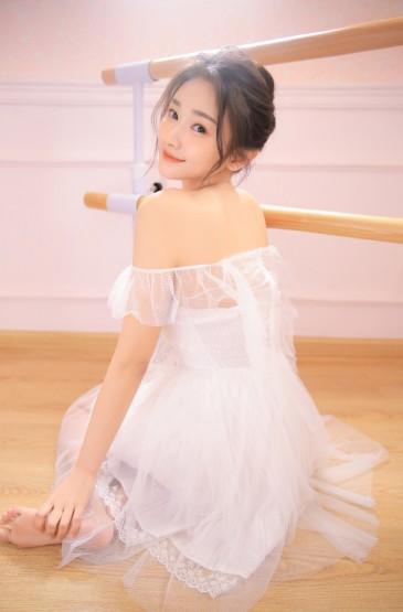 <白纱美女蕾丝透视性感诱人写真