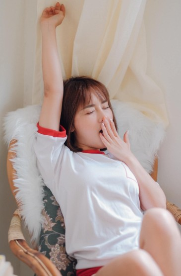 <网球少女性感体操服诱惑写真