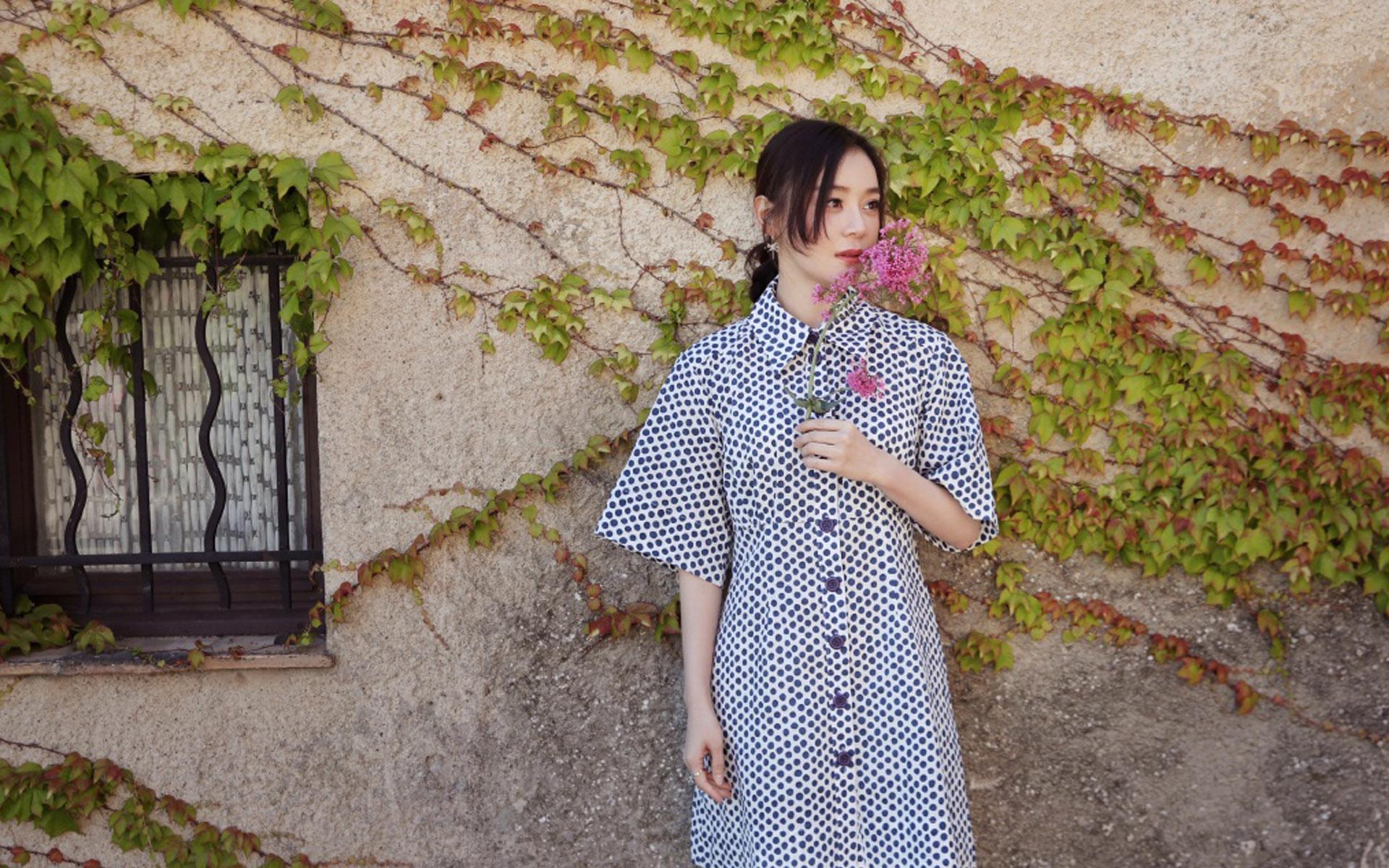 袁姗姗清甜秀丽朦胧美感阳光般写真图片