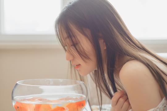 清纯大学生日常居家写真