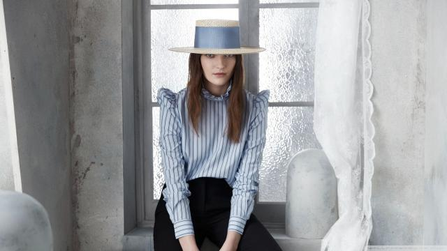 戴着帽子的欧洲美女时尚魅力写真
