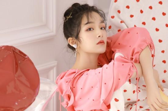 粉红美少女性感图片桌面