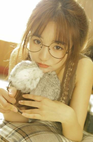 <细长美腿模特丰满诱人性感写真 第一辑