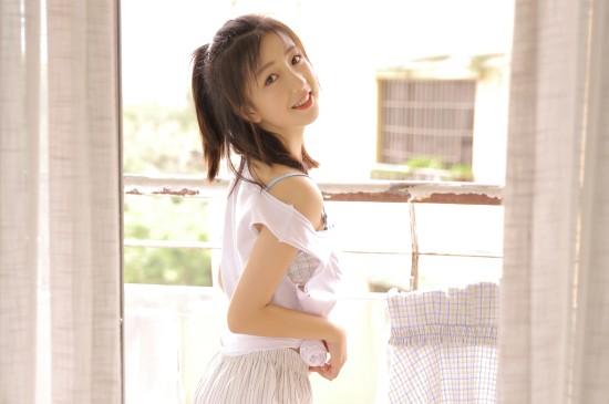 夏日小清新美女唯美写真桌面壁纸
