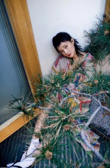 李一桐时髦性感杂志写真