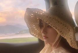 鞠婧祎甜美性感简约自拍照壁纸图片