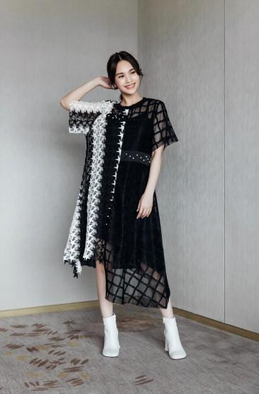 <楊丞琳星星鏤空裙時尚性感寫真