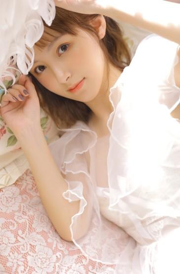 白纱透视装美女性感气质写真图片