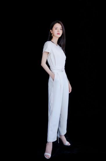 张芷溪清新优雅写真图片