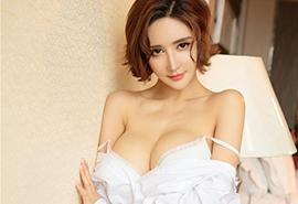 <波霸美女肥硕大胸巨乳赤裸大尺度写真平板壁纸