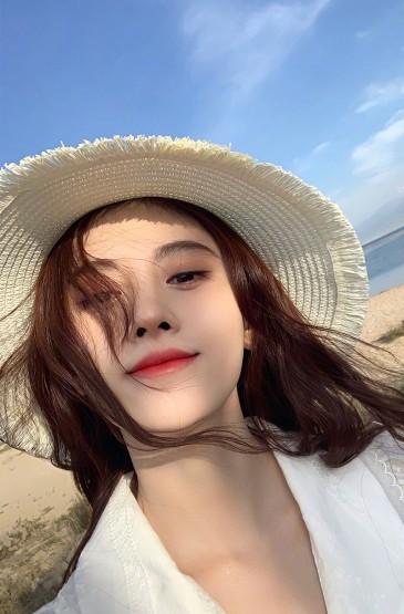 鞠婧祎海邊仙氣性感寫真