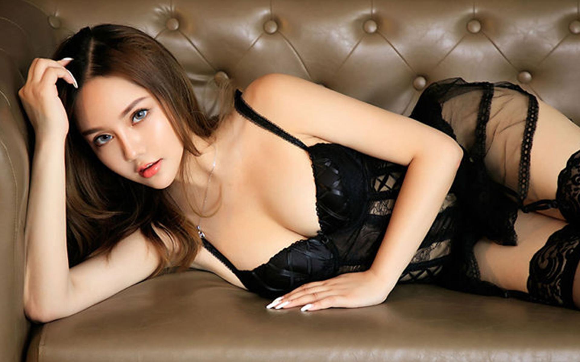 黑丝大胸美女透视情趣内衣翘臀风骚写真桌面壁纸