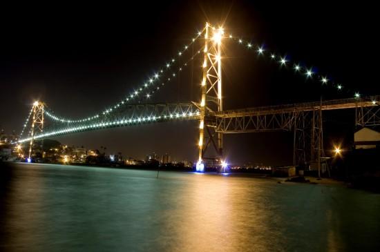 逢山开路遇水搭桥叹为观止的桥梁工程桌面壁纸