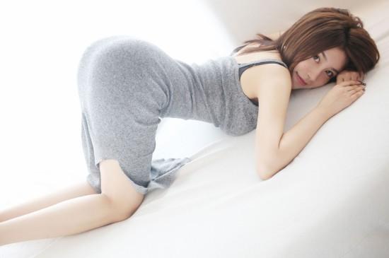 熟女少婦性感睡衣大胸爆乳長腿誘惑寫真平板壁紙