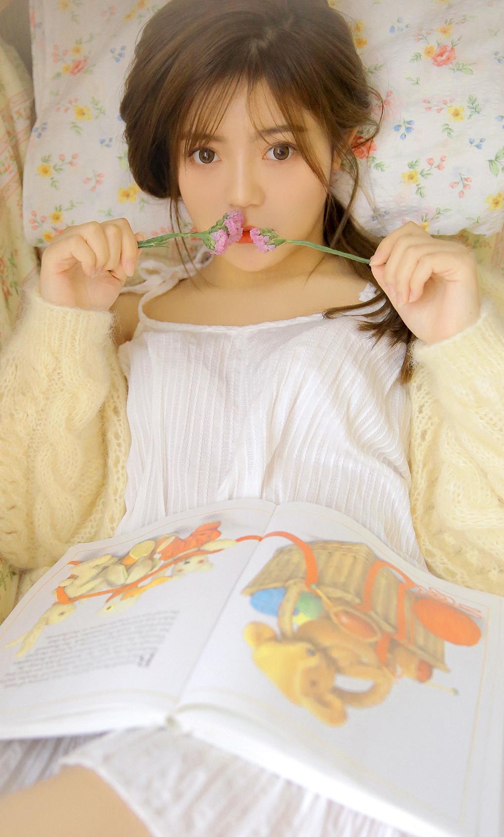 白皙美少女性感私房写真图片