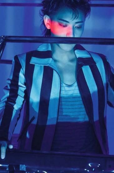 黄子韬帅气时尚杂志写真