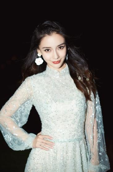 <angelababy绝美长裙优雅写真图片