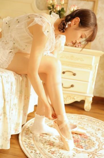 <芭蕾美女性感美腿诱惑图片