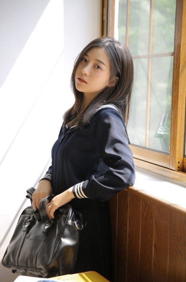<jk校园制服学生妹性感教室写真图片