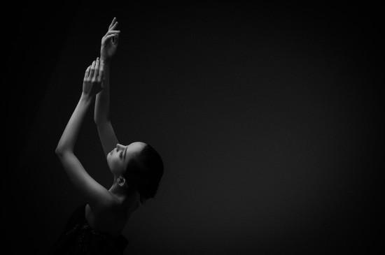 古力娜扎黑白性感迷人写真