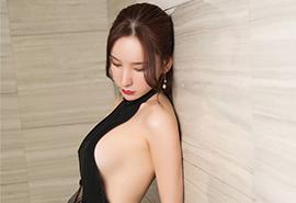 性感美女大胸露乳浴室赤裸写真
