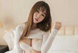 D罩杯巨乳美女性感脱衣赤裸写真