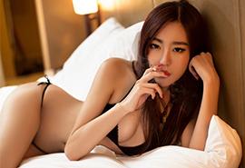 午夜赤裸美女性感人体艺术写真