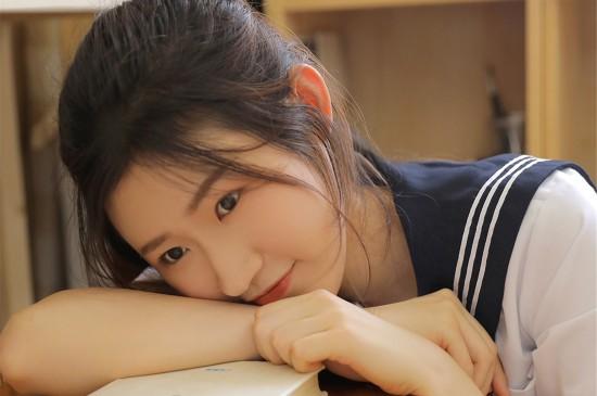 日本學生美女性感制服誘惑寫真