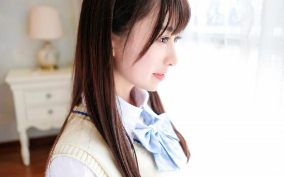 齊劉海清純美少女性感寫真