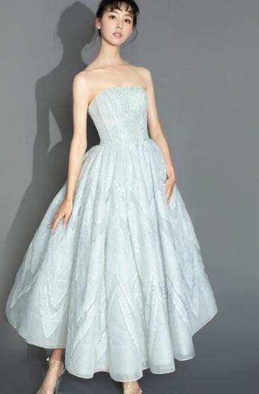 陳都靈優雅薄紗裙手機壁紙