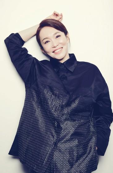 演員范文芳甜美自拍照圖