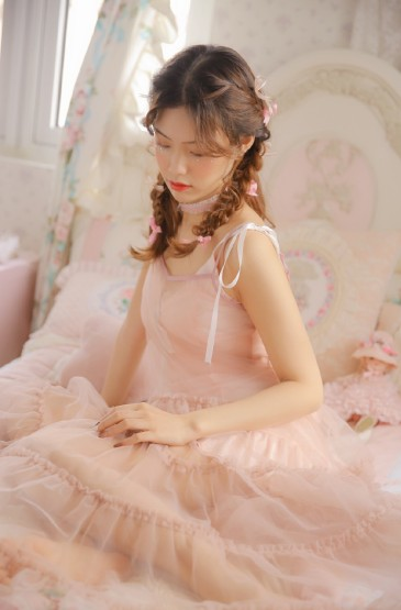 <粉紅蕾絲美女唯美性感美女圖片