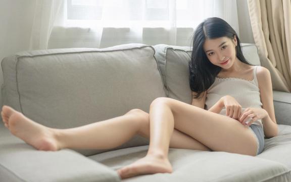 性感大长腿美女居家诱人写真