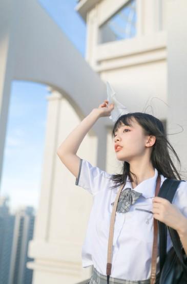 清纯美女学生妹JK制服性感写真图片