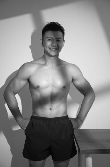 陈一冰肌肉线条型男帅气图片