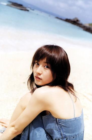 长泽雅美海边清纯养眼写真图片