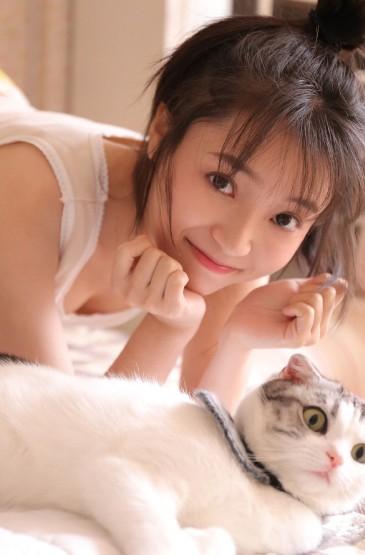 高挑美女尤物性感吊带长腿写真