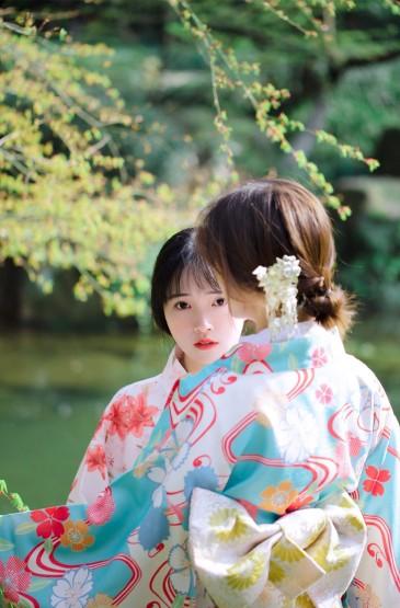 日系和服姐妹花性感养眼写真图片