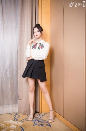 <杨超越甜美少女感写真图片