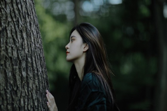 <森林仙氣美女高清桌面壁紙