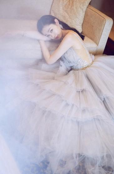 宋軼冰藍色公主裙手機壁