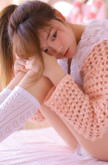 <白絲襪美女性感美腿誘惑寫真圖片