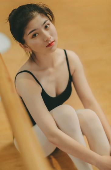 <白絲襪美女美腿誘惑性感寫真圖片