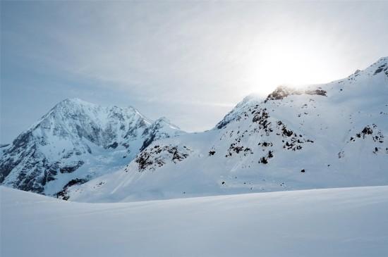 圣洁的雪景唯美高清桌面壁纸