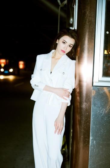 美女明星葛天時尚街拍照圖片